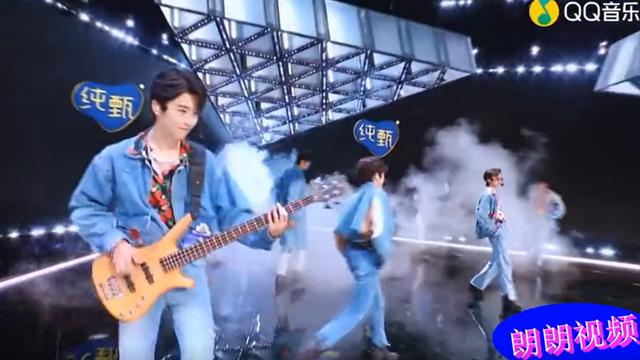 林墨_陈俊洁_张腾-Lover boy 88 (创造营2021首场公演)